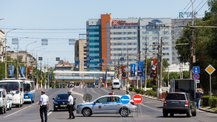В Волгограде перекрыли проспект Ленина перед матчем Саудовской Аравии и Египта