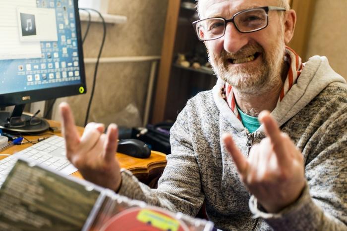 Легендарный новосибирский музыкант Евгений Каргаполов выступил в музыкальном проекте «Консилиум» как продюсер