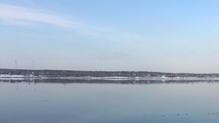 В реке Чепца на западе Прикамья нашли автомобиль с телами мужчины и женщины