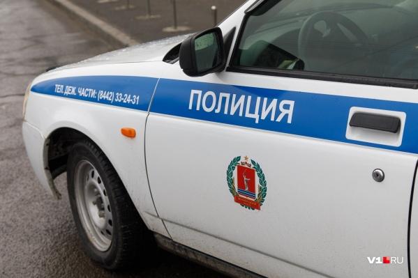 Полицейские три дня катались по фиктивным адресам, которые называла 13-летняя школьница