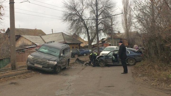 Уфимскую улицу заблокировало ДТП с двумя иномарками