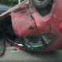 Красный Citroen на Свердловском проспекте опрокинула отечественная легковушка