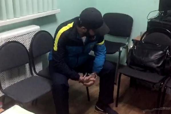 Волгоградец пытался привезти в регион еще четыре тонны этилового спирта