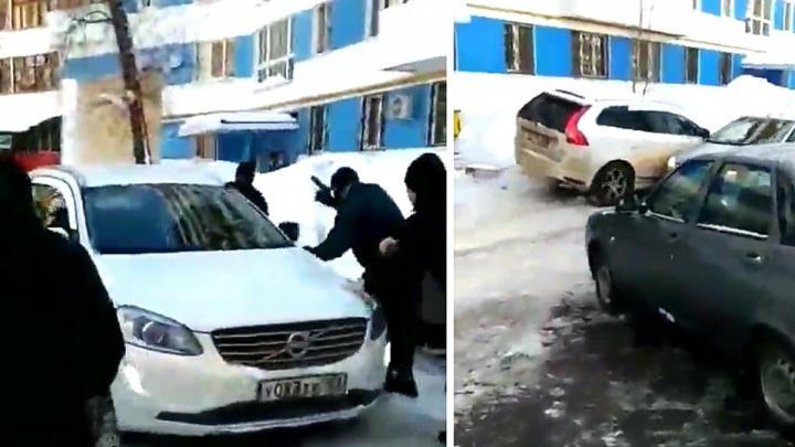 Стрельба и гонка: появились детали задержания мужчины во дворах на Московском шоссе
