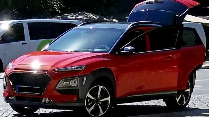 Крохотный кроссовер Hyundai Kona попал на фото