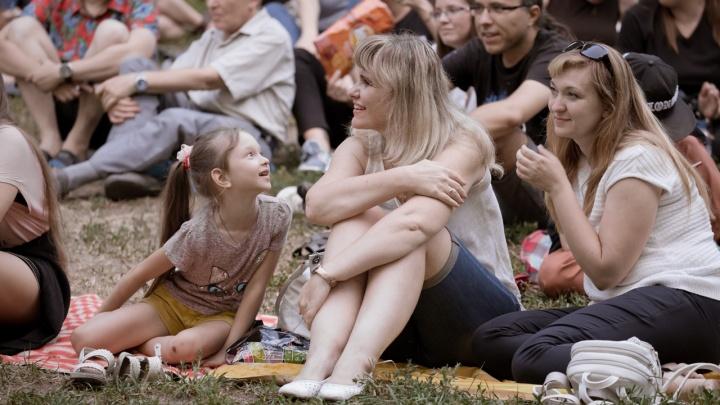 «Хотим помочь раздать щенков»: волгоградцев зовут посмотреть вдохновляющее кино о собачьей верности
