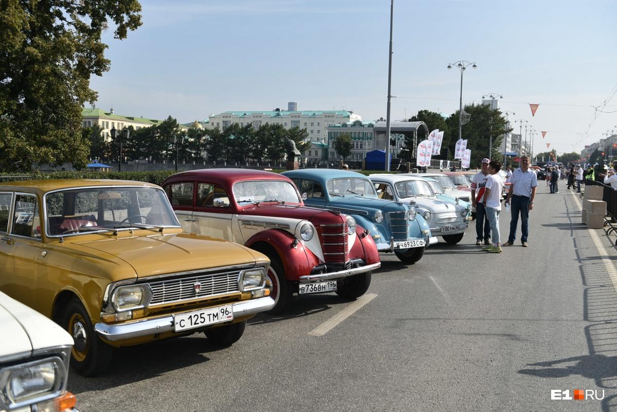 А вот и другие автомобили, которые можно было увидеть на выставке