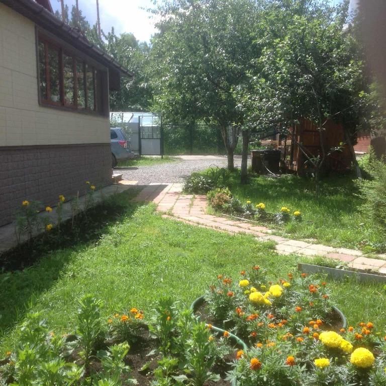 На 10 сотках растут все традиционные для уральских садов плодово-ягодные деревья и кустарники