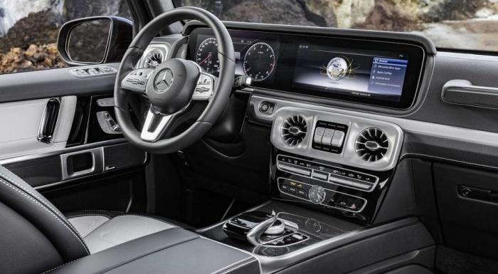 Mercedes показал салон нового «Гелендвагена»