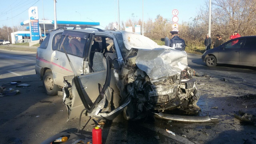 Вовремя автоаварии вЗаельцовском районе встолице Сибири умер человек
