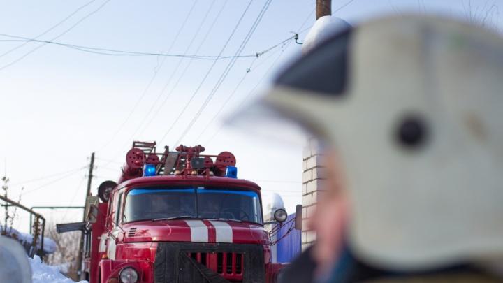 «Было холодно, а потом случился пожар»: около 30 человек эвакуировали из жилого дома на Ташкентской