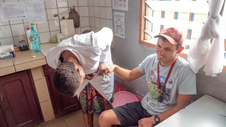 «Самый опасный вид малярии»: инфекцию подхватил путешественник из команды сибиряка Алексея Камерзанова