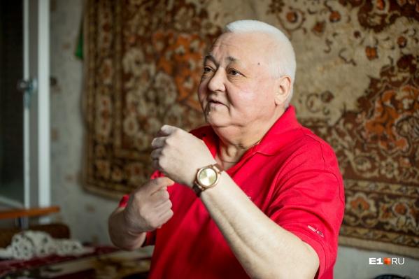 Рифату Равильевичу сейчас 55 лет