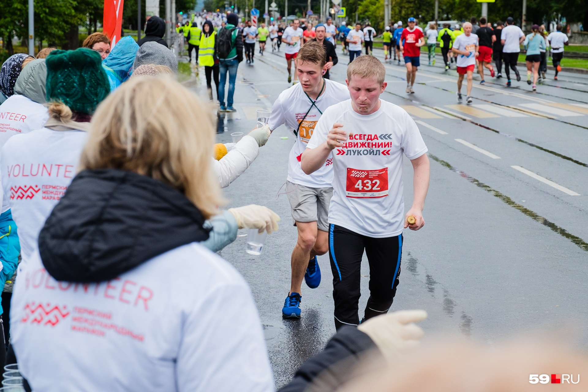 Воды, говорит участница марафона, хватало не на всех