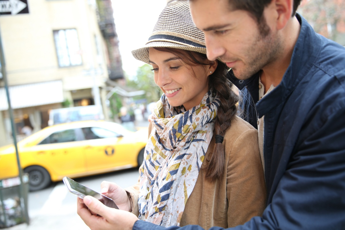 С появлением интернет-сервисов отблагодарить таксистов стало возможно с помощью безналичных чаевых