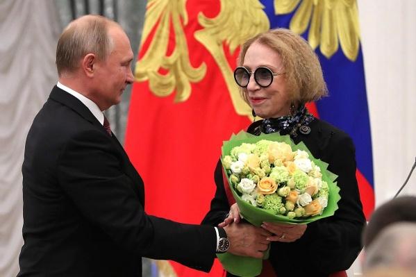 Инна Чурикова — обладатель ордена«За заслуги перед Отечеством»