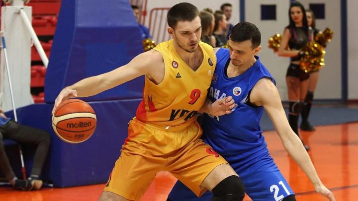 Баскетболисты «Урала» в ДИВСе проиграли гостям из Самары и закончили сезон