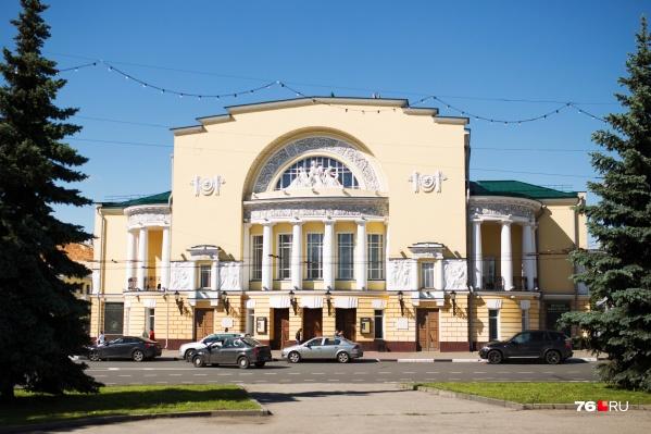Почти все актёры труппы Волковского театра выступили за увольнение директора Алексея Туркалова