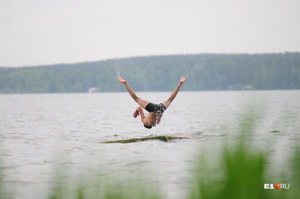 В эти выходные погоду обещают хорошую, но купаться медики не советуют