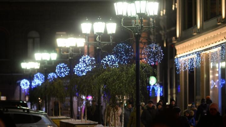 Красиво всё-таки будет: в Екатеринбурге к Новому году украсят проспект Ленина