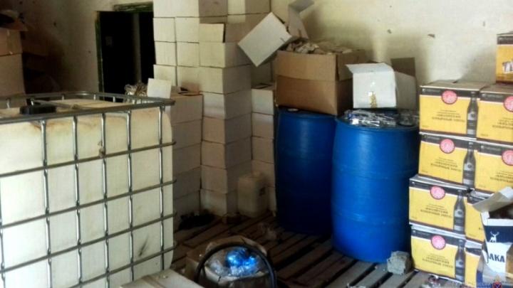 9000 бутылок: под Волгоградом задержана банда дончан, торгующих поддельными водкой и коньяком