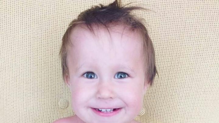 Двухлетнему Ратмиру, на лечение которого собирали 45 миллионов рублей, сделали первую инъекцию