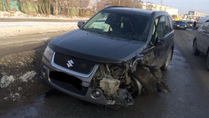 День жестянщика: в авариях на Гусинобродском шоссе пострадало 10 автомобилей