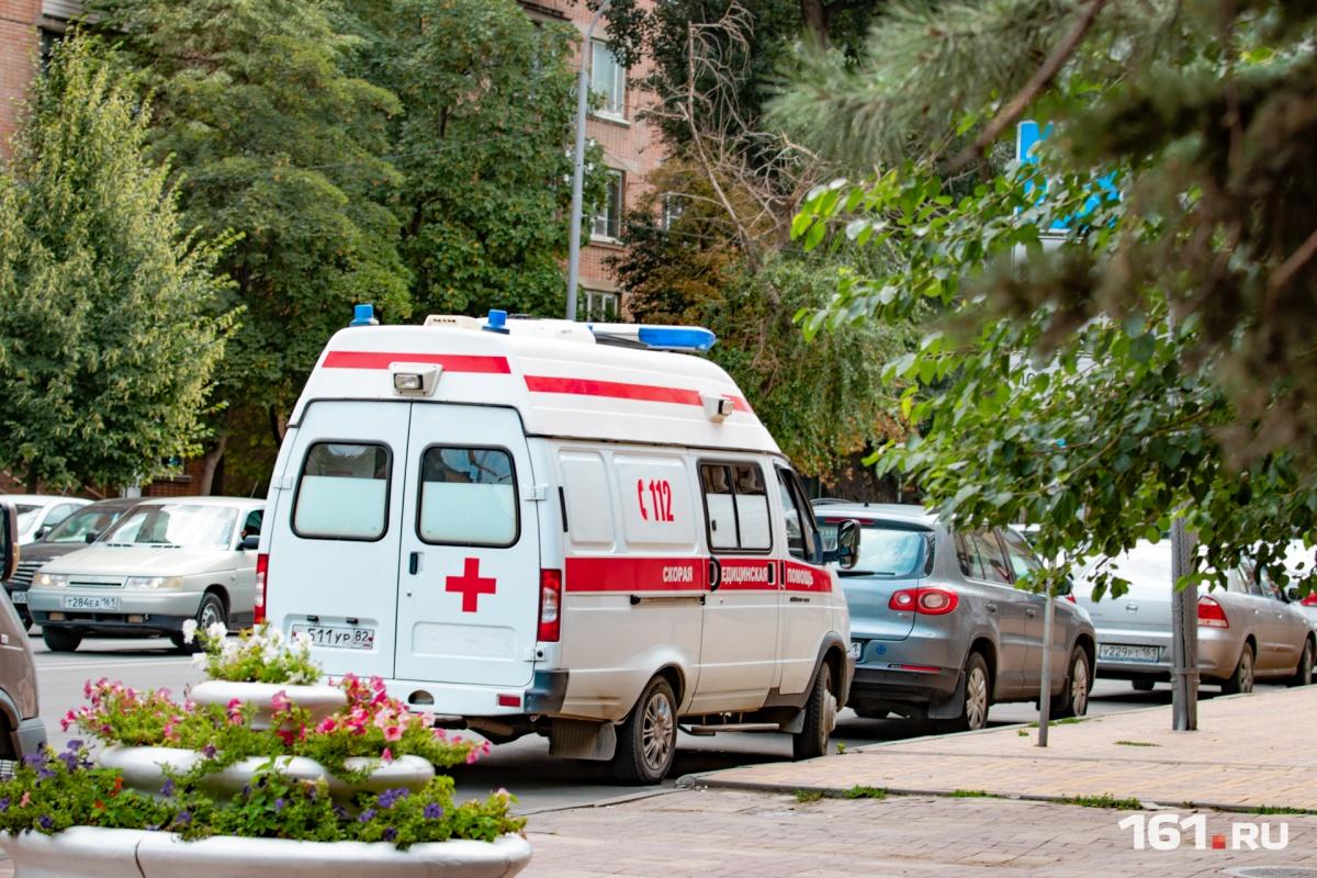 Водителя иномарки увезли в больницу