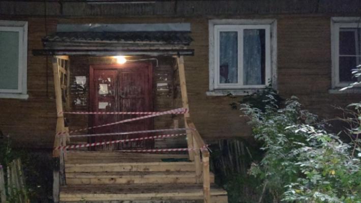 Разошлись по знакомым: в Соломбале десять человек спешно выселили из «поехавшего» дома