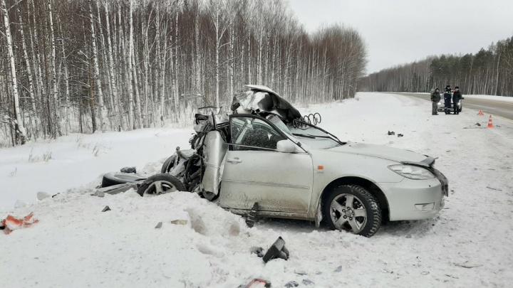 Водитель погиб в лобовом ДТП на трассе Тюмень — Ханты-Мансийск