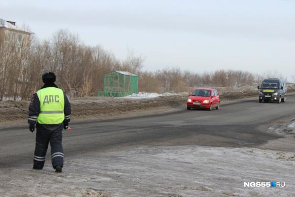Один автолюбитель накопил штрафов на 100 с лишним тысяч рублей. В результате его отправили в спецприёмник для арестованных