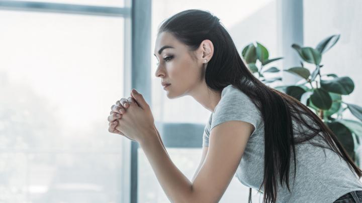Работа — стресс, диета — стресс, и даже отпуск — стресс: где жизнь ставит подножкуорганизму женщины