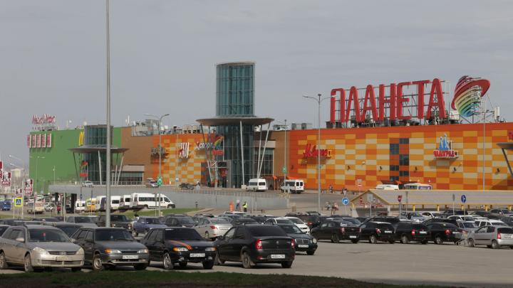 50 рублей в час: парковка на «Планете» стала платной