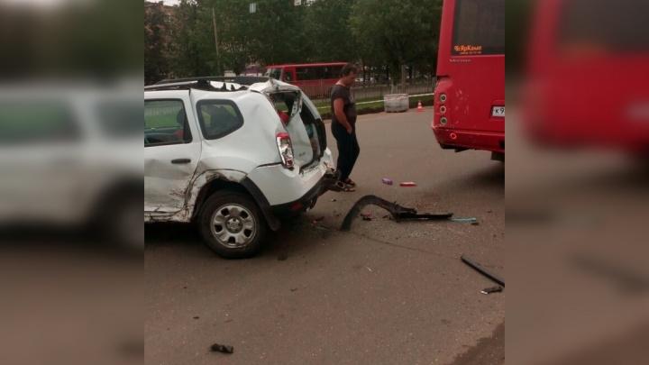 Гнал, как чёрт: в Брагино произошло серьёзное ДТП с участием маршрутки
