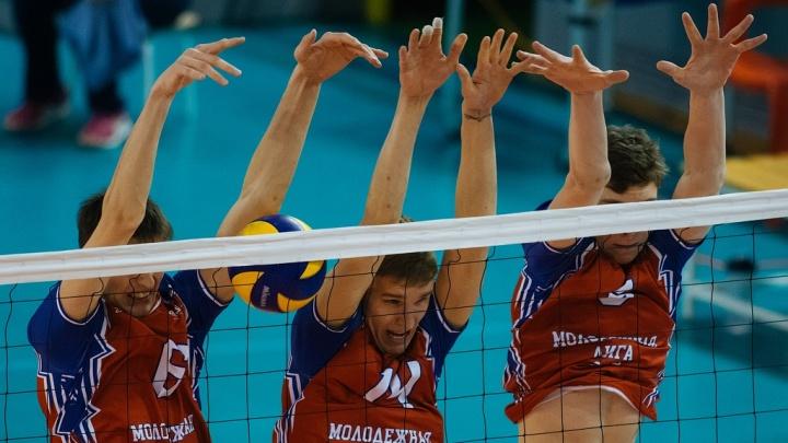 Волейбол: новосибирский «Локомотив-ЦИВС» победил нижневартовский «Университет»