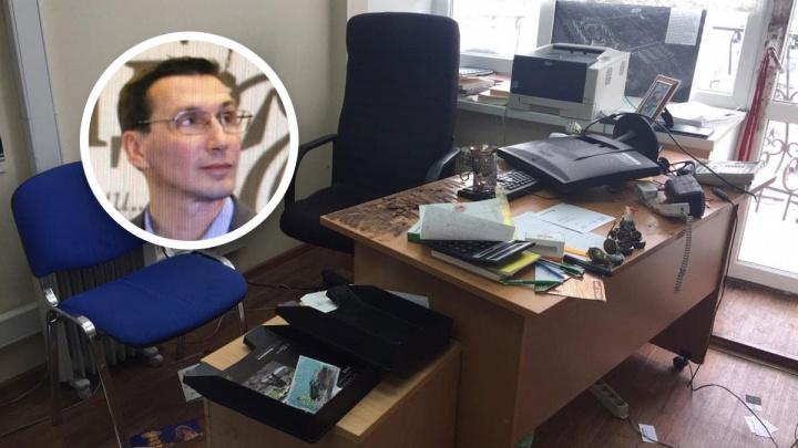«Сдохнешь, сявка»: в Екатеринбурге разгромили редакцию «Коммерсанта»