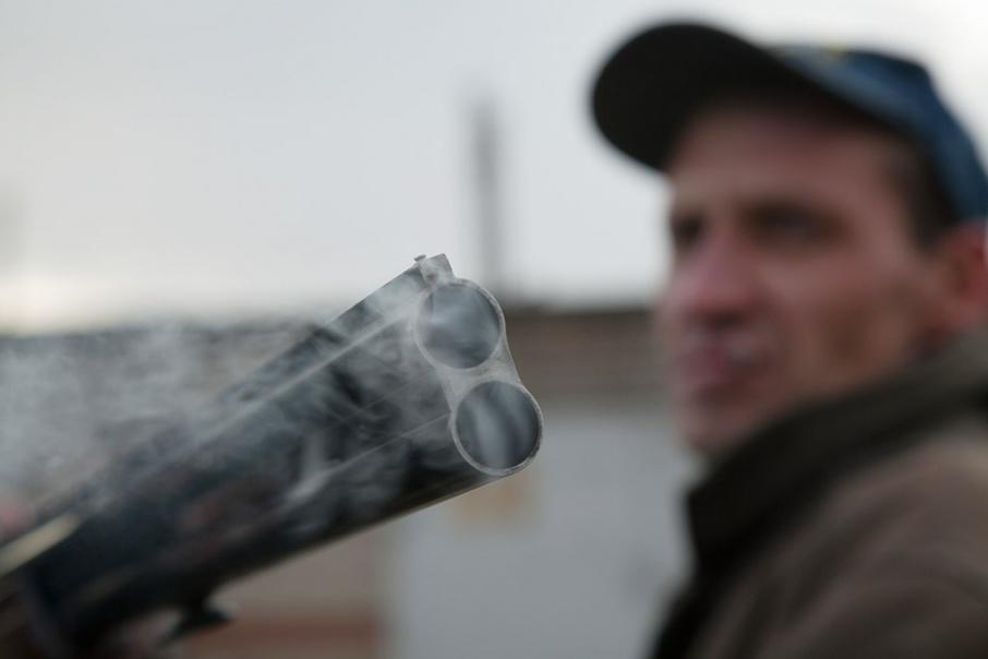 При задержании у браконьеров изъяли две туши косуль и оружие