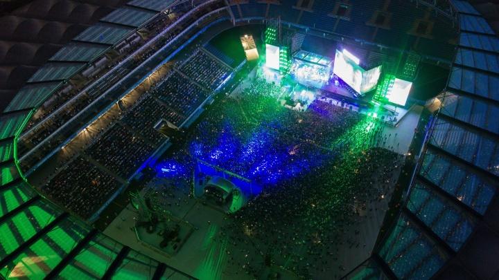 «Забит до отказа»: концерт «Ленинграда» собрал полный стадион