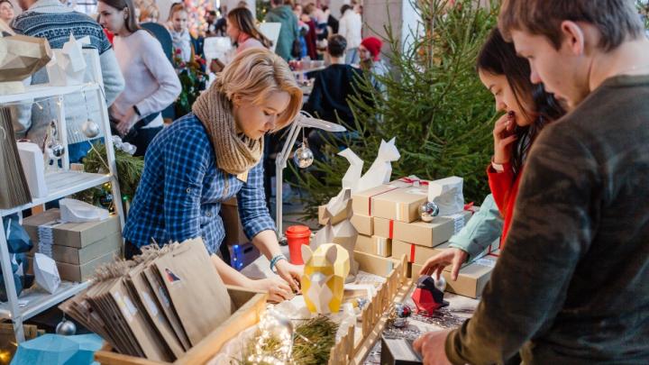 Куда идти за подарками и украшениями для дома: обзор самых больших новогодних ярмарок Перми