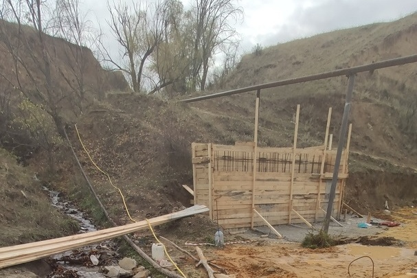 «Позовем батюшку»: под Волгоградом завершается реконструкция Черемуховского родника