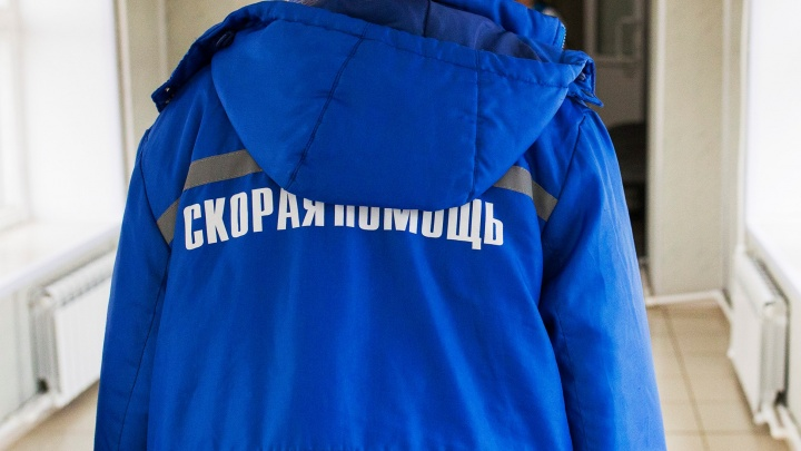 «Просим не паниковать»: в Ярославской области с завода на скорой увезли китайца
