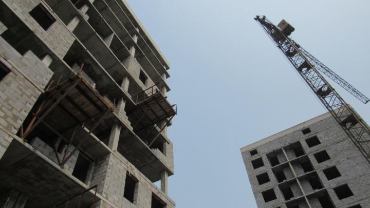 «Дали квартиры — они батареи сняли»: в Курганской области обсуждают, нужны ли квартиры детям-сиротам