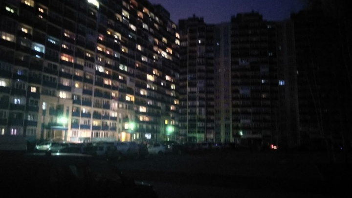 Женщина выпала из окна многоэтажки на Одоевского