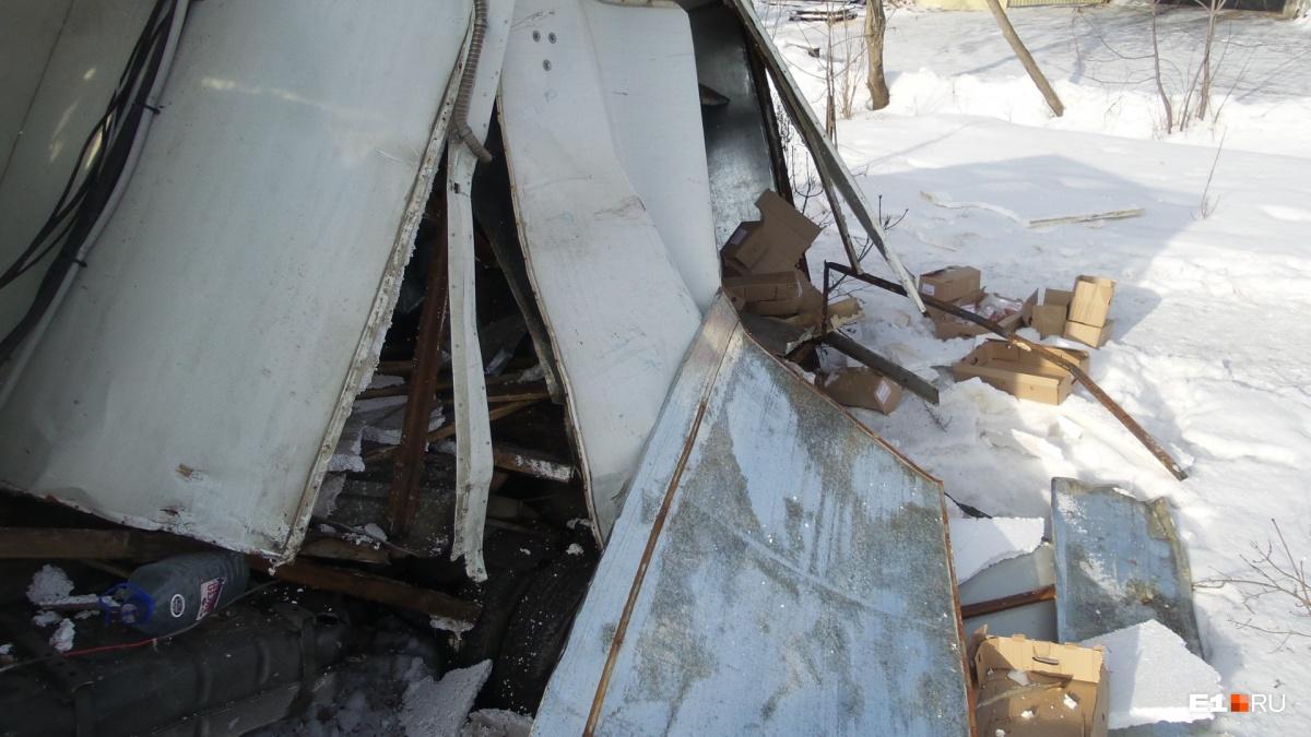 На Сибирском тракте из-за аварии с ГАЗелью загорелся бензовоз