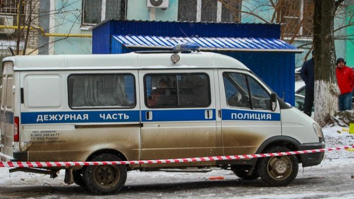 На улице Доватора автомобиль снес остановку