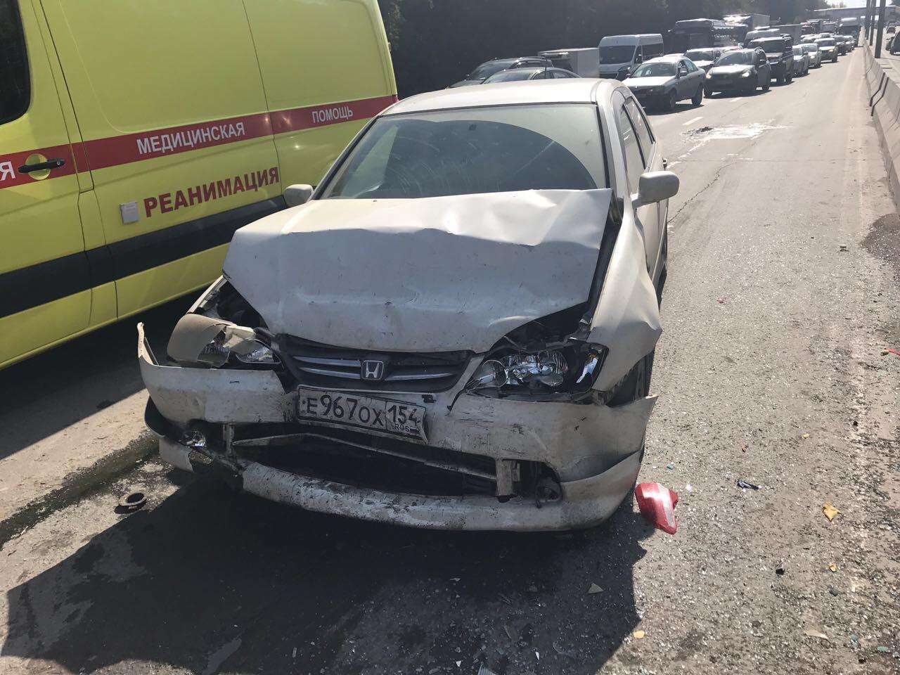 Из-за ДТП на Бердском шоссе собралась серьёзная пробка