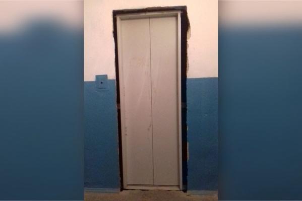 После приёмки лифтов регоператором управляющая компания должна обратиться в Ростехнадзор