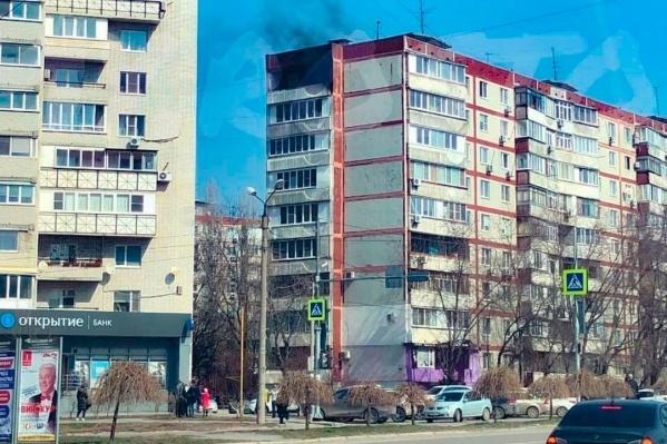 Загорелась квартира на девятом этаже
