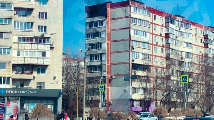 В многоэтажке в Западном микрорайоне Ростова вспыхнула квартира