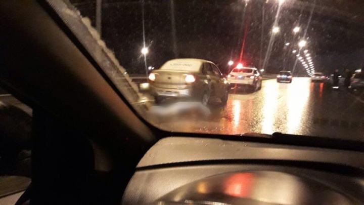 На Ямской водитель такси насмерть сбил пешехода
